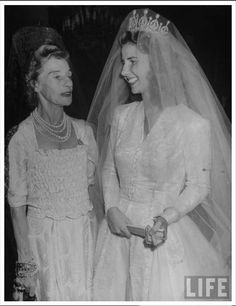Spanish nobles also have some very fine tiaras in their own right. Cayetana, 18th Duchess of Alba, wore a fabulous diamond and pearl tiara when she wed Don Luis Martinez de Irujo y Artazcoz on 12 October 1947.