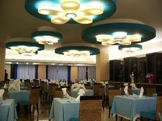 Ocean Coral & Turquesa: The buffet dining room