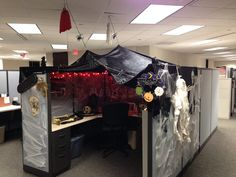 halloween cubicle - Office Halloween Decorations