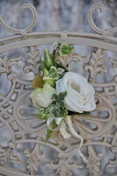 #Cocarda cu #eustome și #iederă pentru #mire sau #naș. #butoniera Wreaths, Home Decor, Decoration Home, Door Wreaths, Room Decor, Deco Mesh Wreaths, Interior Design, Home Interiors, Bouquet