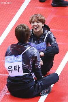 Keep laughing full sun! << I love seeing them laugh as well. I know at least they're happy and at ease in that moment. Nct 127, Nct Yuta, Taeyong, Jaehyun, Kpop, Fandom, Winwin, My Sunshine, K Idols