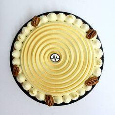 """Fantastik """"Leilana"""" réalisé avec de la vanille de Tahiti Pastry Recipes, Dessert Recipes, French Patisserie, Elegant Desserts, Mousse Cake, French Pastries, Pastry Cake, Sweet Cakes, Plated Desserts"""