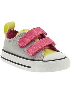 Converse Chuck Taylor All Star 2V (Infant Toddler)  066fea0d9