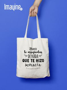 BOLSO FRASE Shopping Bag Design, 30th Party, Baby Family, Canvas Tote Bags, Origami, Upcycle, Projects To Try, Cricut, Lettering