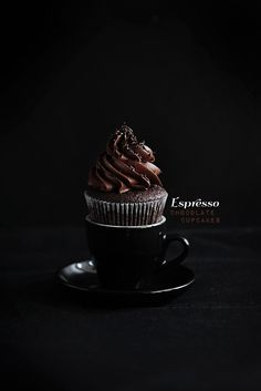 Chocolate espresso cupcakes - great photography too