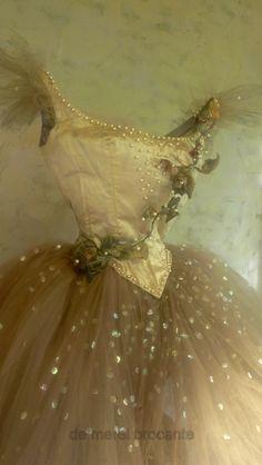 sequin paillettes under top layer of romantic tutu -- fairylike -- don't bother with the link -- (source says: vintage ballet de merel brocante) Tutu Ballet, Ballerina Dancing, Ballet Dance, Ballet Shoes, Bolshoi Ballet, Ballet Class, Pointe Shoes, Ballerina Shoes, Ballet Vintage