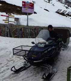 Snowriding #belalp Belalp, Motorcycle, Vehicles, Projects, Sled, Art Crafts, Blue Prints, Biking, Car