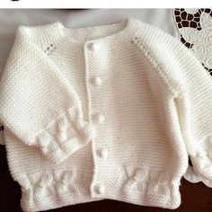 This Pin was discovered by Thả Baby Cardigan Knitting Pattern, Knitted Baby Cardigan, Toddler Sweater, Crochet Headband Pattern, Baby Pullover, Arm Knitting, Baby Knitting Patterns, Knit Crochet, Crochet For Kids