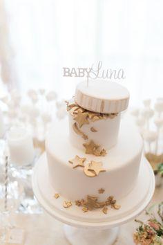 Lunar inspired baby shower cake: http://www.stylemepretty.com/living/2016/01/11/lunar-inspired-baby-shower-by-jillian-harris/ | Photography: Ainsley Rose - http://www.ainsleyrose.com/