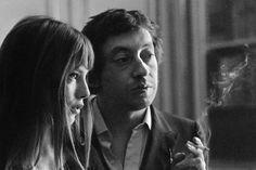 """Serge Gainsbourg : """"Je n'ai pas écrit que des choses indélébiles, j'aimerais que certains titres soient effacés... mais quand c'est gravé, c'est gravé"""" Serge Gainsbourg, Gainsbourg Birkin, Charlotte Gainsbourg, Great Love Stories, Love Story, Jane Birkin Style, Jean Yves, Glamour, English Actresses"""