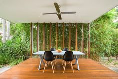 Let's arrange the outdoor of your house with some stylish and innovative ideas. You can easily work with deck plans and can ornament your living space with it. These interesting ideas will appear more charming and graceful if you make there best comb Outdoor Living Areas, Outdoor Rooms, Living Spaces, Veranda Design, Deck Design, Brisbane Architects, Modern Deck, Villa, Beautiful Places To Live