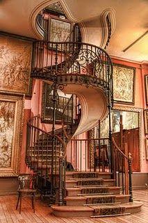 -spiral-staircase