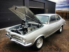 Cool Holden and Cars Australian Muscle Cars, Aussie Muscle Cars, Sexy Cars, Hot Cars, Holden Torana, Cool Old Cars, Car Guide, Holden Commodore, Cars And Motorcycles