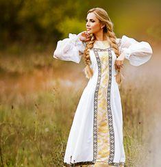 Красавица в сарафане