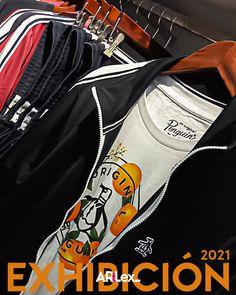 Exhibición universo tracksuit 2021 tienda Penguin. #Artlex_ #visualmerchandising Visual Merchandising, Penguins, The Originals, Product Display, Penguin