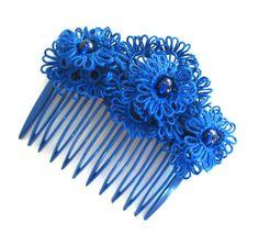 Indigo lace flowers hair comb  Tatted lace par LandOfLaces sur Etsy, $35.00