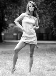 Charlotte Rampling in in Strip. is listed (or ranked) 5 on the list The 20 Hottest Charlotte Rampling Photos Charlotte Rampling, Style Année 60, Style Icons, Georgy Girl, Vintage Beauty, Vintage Fashion, Jacqueline Bisset, Sixties Fashion, British Actresses