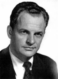 James Gregory  born 12-33-1911 in The Bronx, New York   died  9-16-2002 in Sedona Arizona. He gave up a career as a stock broker to become an actor.