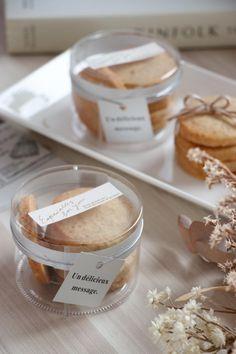 Brownie Packaging, Food Box Packaging, Baking Packaging, Dessert Packaging, Juice Packaging, Food Packaging Design, Biscuits Packaging, Cookie Bakery, Bakery Business Cards