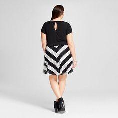 Women's Plus Size V-Neck Short Sleeve Skater Dress Multicolored 2X - Almost Famous, Black