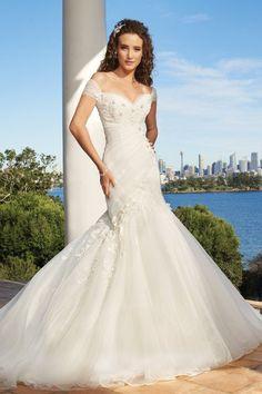 bd0aaafcb63e Sophia Tolli Wedding Dresses Photos on WeddingWire Boho Vintage