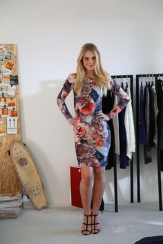 Flower Power! The floral dress is bold and beautiful. #veromoda #maxfactor @Veronica MODA