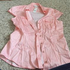 Coral top with polka dots Size large, never worn New York & Company Tops Blouses