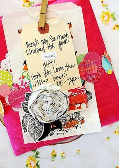 awesome gift wrapping with garland and bag & tag