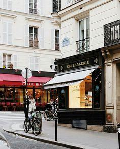 Parisian corners