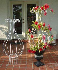 Items similar to New Orleans Hurricane Wrought Iron Trellis Topiary on Etsy Garden Deco, Diy Garden, Garden Trellis, Garden Projects, Garden Art, Balcony Garden, Garden Gates, Garden Landscaping, Wrought Iron Trellis