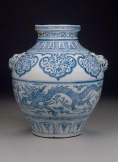 Yuan Dynasty 元 官窑青花狮耳云龙花卉纹大罐