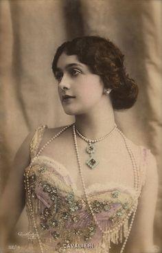 "Lina Cavalieri, ""World's most Beautiful Woman"" Famous Belle Epoque Italian Opera Star Glamour Portrait Original 1900s Reutlinger Postcard"