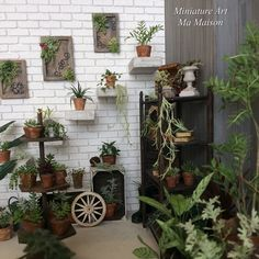 Mini Plants, Miniature Plants, Garden Accessories, Garden Plants, Dollhouse Miniatures, Ladder Decor, Planting Flowers, Shabby, Diy Crafts