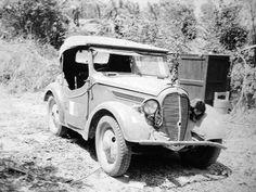 「くろがね四起」 Japanese Cars, Toyota, Antique Cars, Old School Cars, Vintage Cars