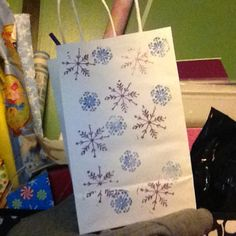 Frozen party bags for my little girls 5 the birthday Sage will be so happy!