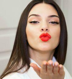 Kendall Jenner - Makeup
