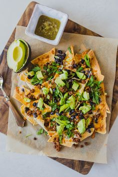 They're a crowd pleaser, so simple and filling enough to be a full meal. Here's how to make my Grain-Free Sheet Pan Nachos. Whole 30 Recipes, Whole Food Recipes, Vegan Recipes, Healthy Options At Restaurants, Clean Eating Recipes, Healthy Eating, Healthy Nachos, Easy Appetizer Recipes, Appetizers