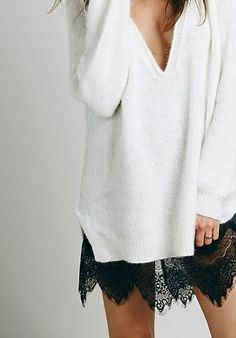 Progetto refashion: rendiamo maxi un pullover. Guardando questi maxipull,che a me piacciono tantissimo,mi è venuta un'idea!! In realtà ho dei maglioni (che da un po' di tempo non metto più)che tanto maxi non sono, anzi forse sono un po' cortini se volessi metterli sui miei adorati leggins! Come si vede in queste foto basta cucire … … Continua a leggere →