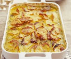 Rezept: Kartoffelgratin auf französische Art Cook Up A Storm, French Food, Sweet And Salty, Potato Recipes, Bon Appetit, Macaroni And Cheese, Healthy Living, Clean Eating, Food And Drink