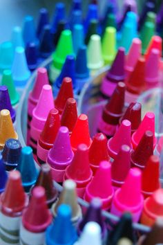 Didn't you feel joyful when opening a new box of crayons when you were a child? I hope children still do.
