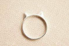 Cute cat ring - want something similar to this for my Birthday!! @daniellesarah13