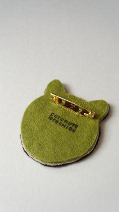 ☆再販☆ 柴犬の刺繍ブローチ