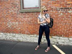 weekend wear: linen tee, skinny jeans and leather backpack