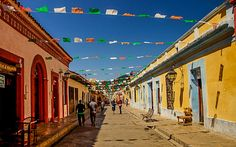 Die bunt dekorierte Stadt San Cristobal in Mexiko © Isabella Falter #Mittelamerika Panama, Bunt, Central America, Caribbean, Mexico, Adventure, City, Panama Hat, Panama City