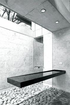 Oziel Contreras | Casa URO | Monterrey, Mexico | 2007. #bathroom #design #minimal