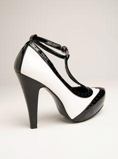 high-heeled saddle oxford pumps