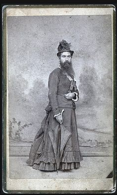 Bearded lady or cross-dressing Victorian gent? I'm thinking the latter. Vintage Images, Vintage Men, Vintage Circus, Vintage Humor, Old Pictures, Old Photos, Antique Photos, Belle Epoque, Bearded Lady