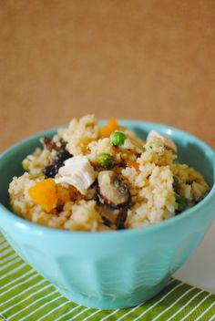 Totally delicious and EASY fried rice recipe that tastes JUST like fried rice from a restaurant! Great for using up leftovers in this simple recipe. - Feathers in Our Nest