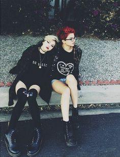 nia and rena lovelis