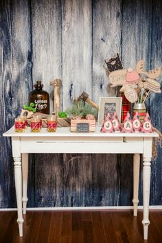 Boys Lumberjack Themed Birthday Party Welcome Table Decoration Ideas